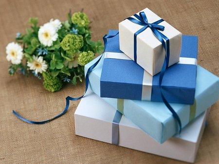 Подаръци за 8-ми март