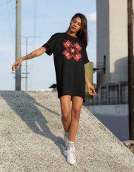 Дамска тениска-рокля с шевица 11
